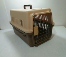 KENNEL BOX Ukuran 48.35cm x 31.76cm x 30.3cm